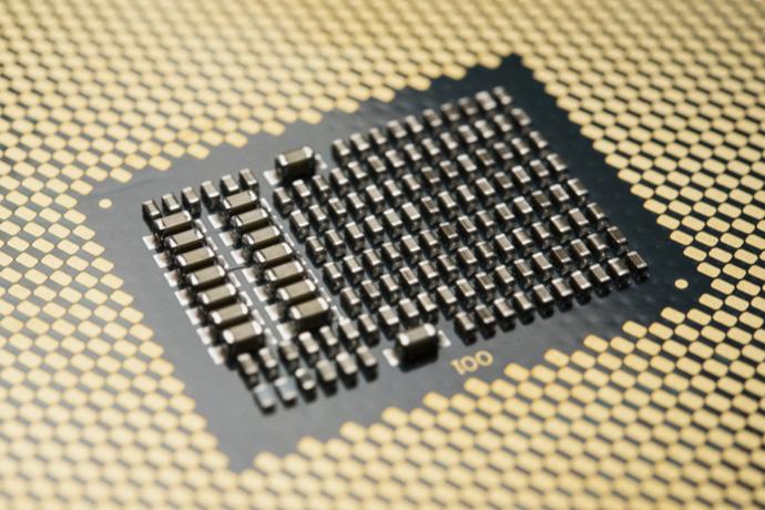 Intel Xeon W-3175X — 28 ядер и шестиканальный контроллер памяти