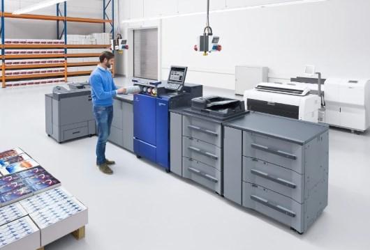 Konica Minolta обновила линейку производительных ЦМП для цветной печати