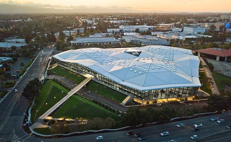 Квартальные продажи NVIDIA выросли за год на 40%, но упали на 3% за квартал