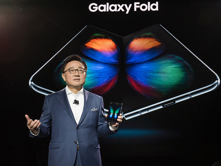 Samsung откладывает запуск Galaxy Fold