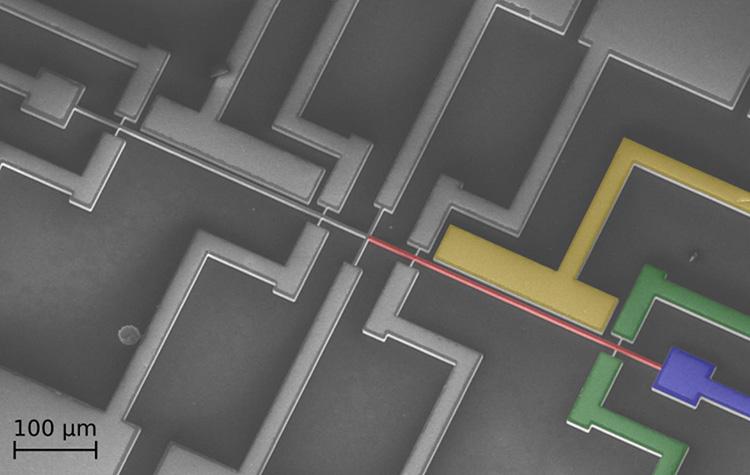 Первая электромеханическая нейтронная сеть показала высокую точность в тестах