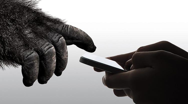 Gorilla Glass 6 защитит смартфон от 15 падений