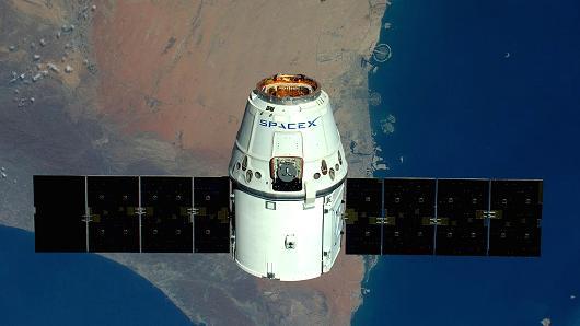 SpaceX планирует раздавать интернет изкосмоса в 2019г.