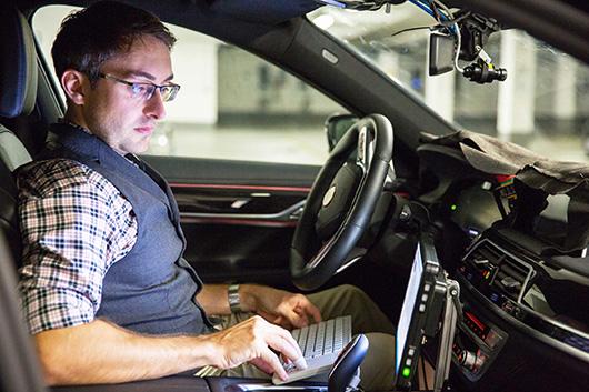 Тест-драйв самоуправляемых авто БМВ намечен на этот год