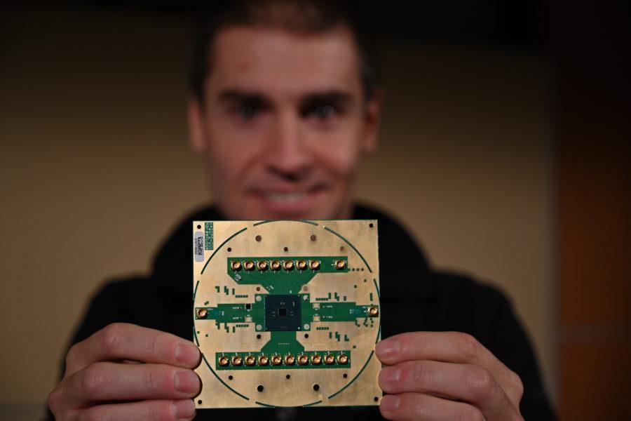 Intel анонсировала криогенный чип для управления кубитами